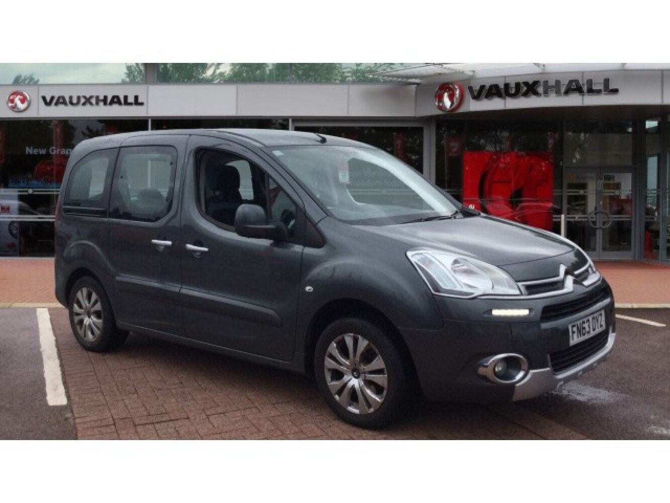used citroen berlingo 1 6 hdi 625kg x 75ps wav bristol street versa. Black Bedroom Furniture Sets. Home Design Ideas